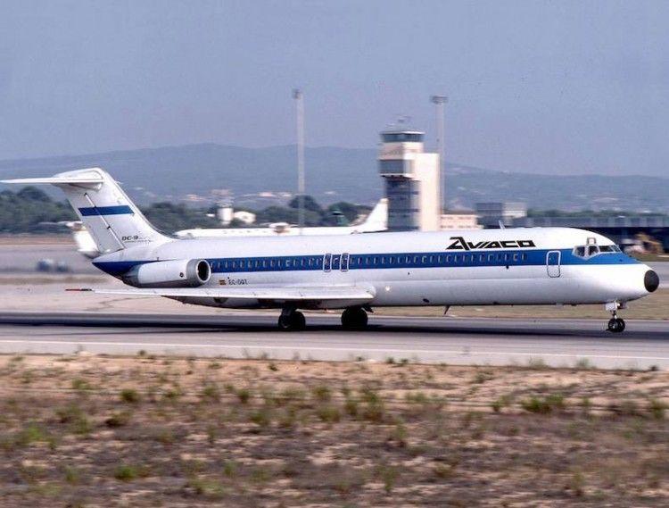 Este avión fue el único DC-9 serie -41 que ostentó matrícula española