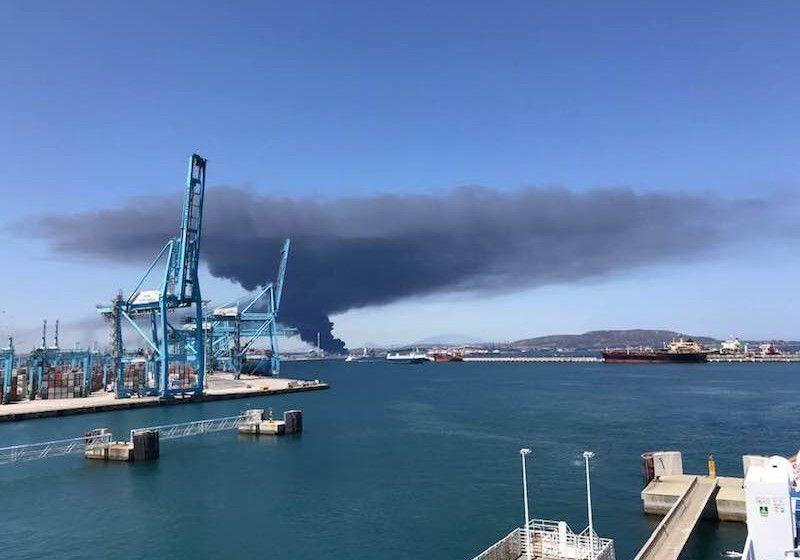 Impresionante imagen de la columna de humo