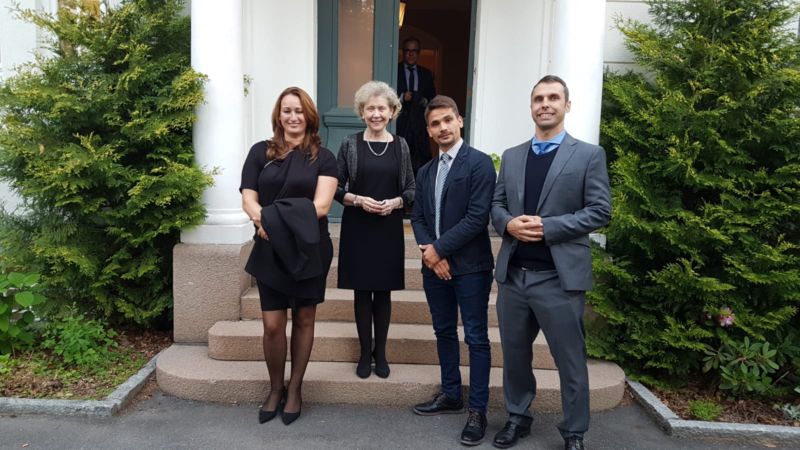 Representantes de Hidramar y Tenerife Shipyards, con la embajadora de España en Oslo, María Isabel Vicandi
