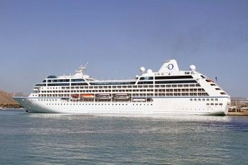 """El buque """"Sirena"""", ayer, en el puerto de Alcudia"""