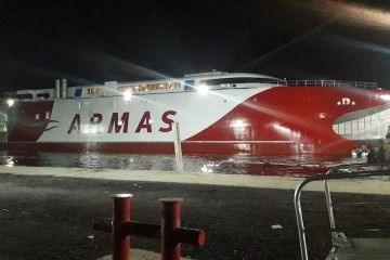 """El catamarán """"Volcán de Tagoro"""" flota por primera vez en aguas de Australia"""