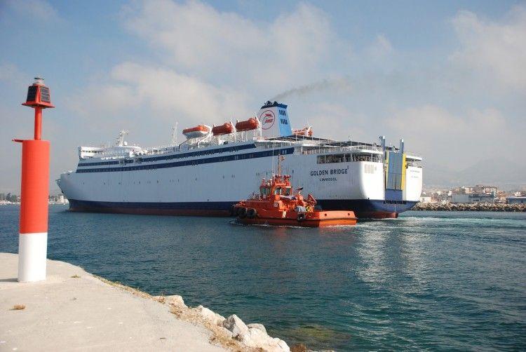 """El ferry chipriota """"Golden Eagle"""", a su llegada esta mañana a Melilla"""