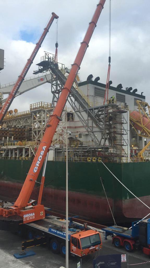 """Personal de Hidramar trabajando con el buque """"Deepwater Corcovado"""""""