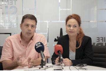 Mario Suárez y María Name, directivos de Tenerife Shipyards, en su comparencia ante los medios de comunicación