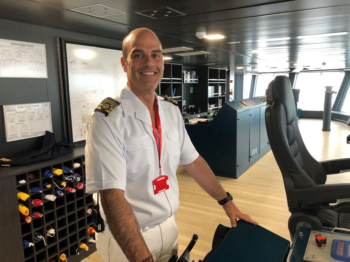 """Asier Lorente Lambarri, primer capitán del buque """"Villa de Teror"""""""