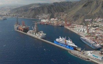 Simulación del emplazamiento del dique flotante de Tenerife Shipyards