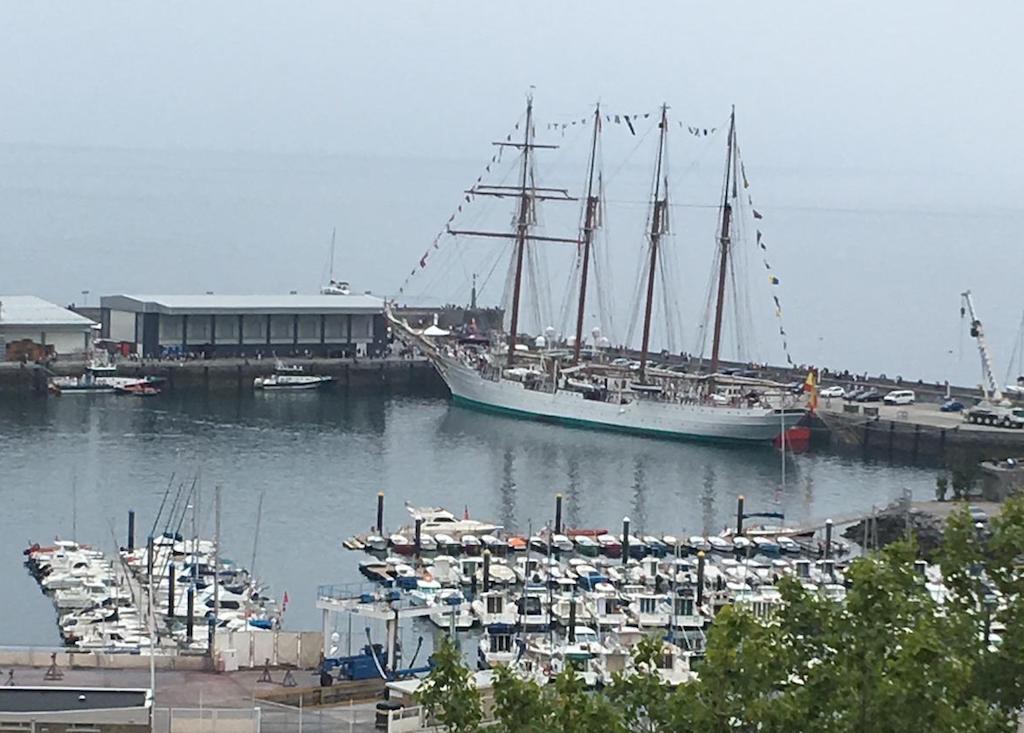 Es la primera vez que el buque-escuela atraca en el puerto de Getaria