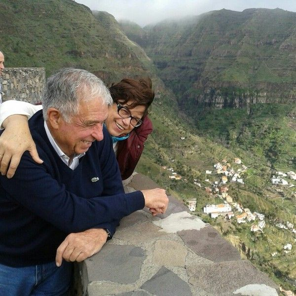 Pedro Nolasco Pérez y Pérez en compañía de su esposa, Elsa Alonso