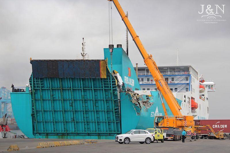 El abordaje inmoviliza el buque en plena OPE 2019