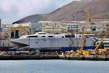 """El catamarán """"Villa de Agaete"""" se encuentra varado en ASTICAN"""