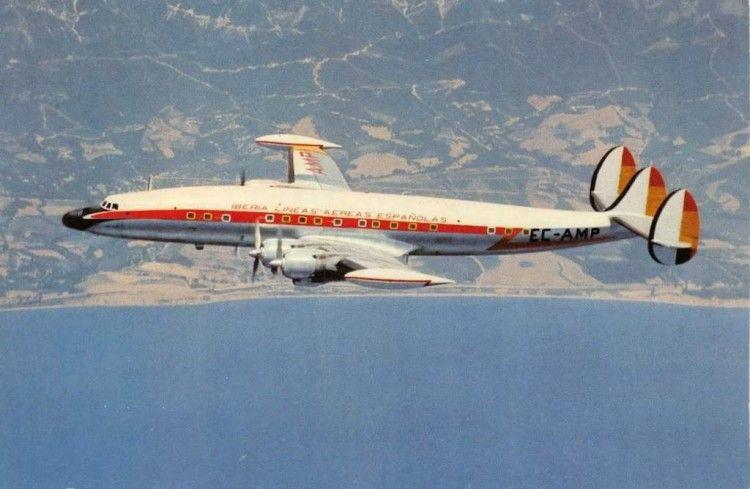 """El avión L-1049G """"San Juan"""" (EC-AMP) de Iberia, en una imagen de 1958"""