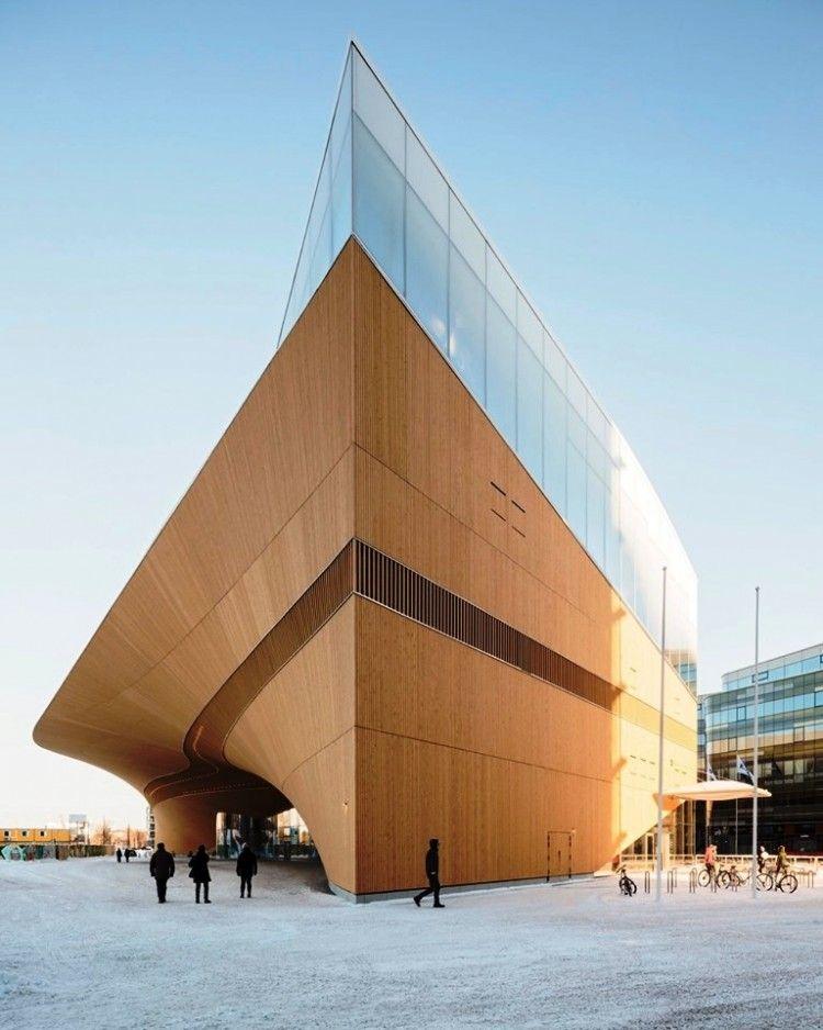 Uno de los ángulos del espectacular edificio de la Biblioteca Oodi