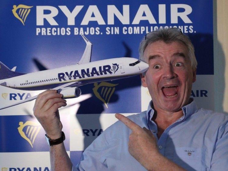 Los sindicatos rebaten los argumentos de Ryanair para el cierre de bases