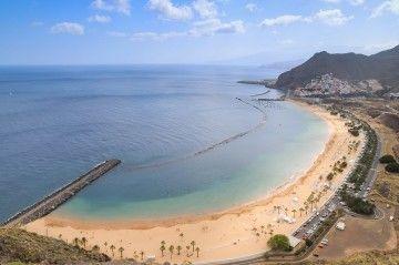 Panorámica de la playa de Las Teresitas, en el litoral de Santa Cruz de Tenerife