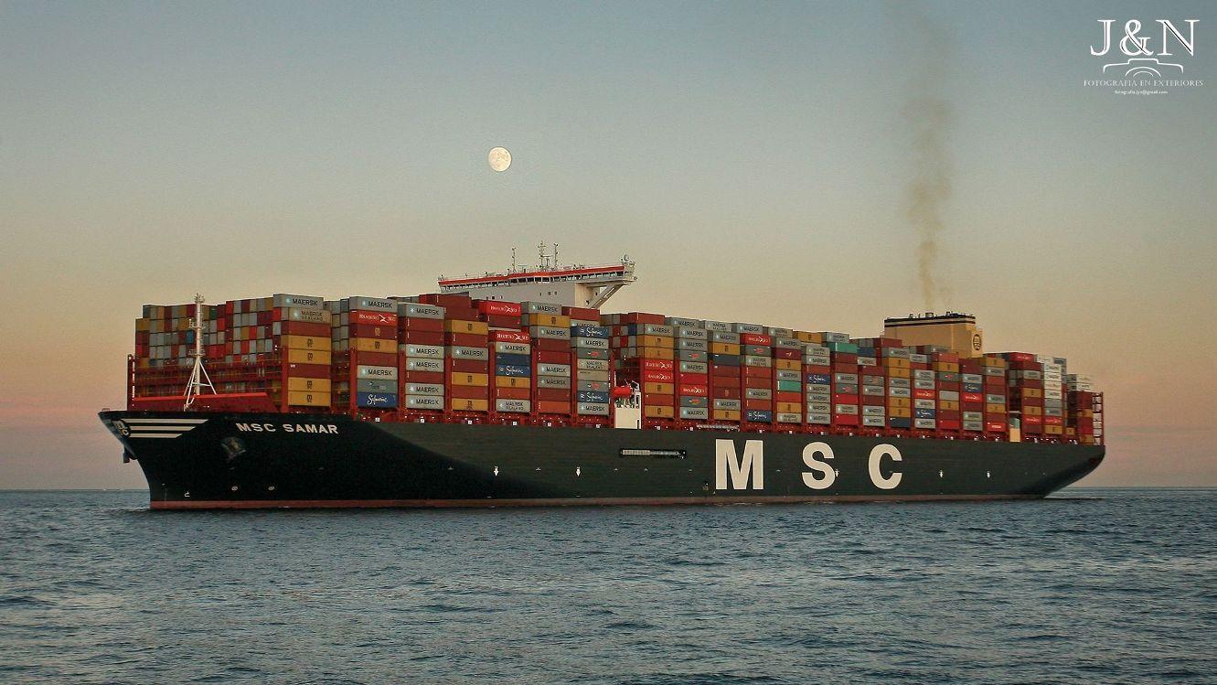 """Maniobra de llegada del buque """"MSC Sanmar"""" al puerto de Algeciras"""