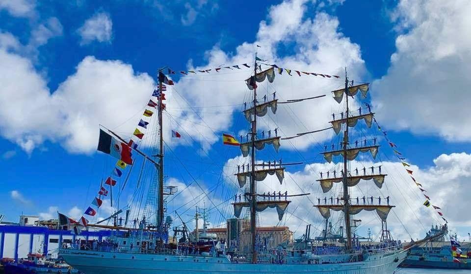"""El buque-escuela mexicano """"Cuahtémoc"""", a su llegada esta mañana al puerto de Las Palmas de Gran Canaria"""