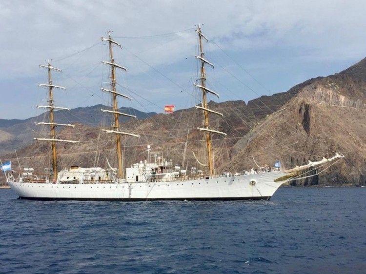 """El buque-escuela ARA """"Libertad"""", de nuevo en Tenerife"""