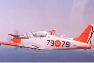 Avión de instrucción básica Tamiz de la AGA