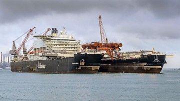 """El impresionante buque off shore """"Pioneering Spirit"""""""