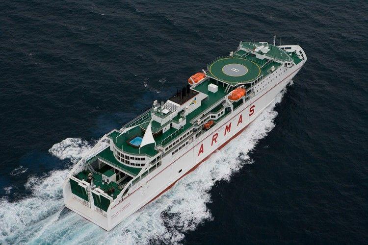 "Panorámica del ferry ""Volcán de Timanfaya"""