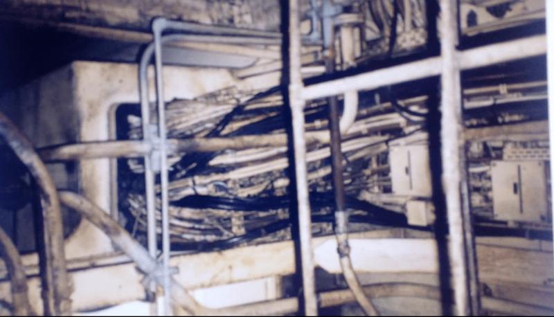 """Efectos del incendio en parte del cableado del buque """"CTE Maracena"""""""