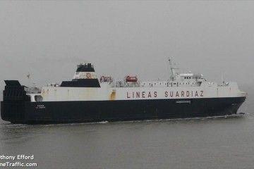 """El buque rolón """"Galicia"""" se encuentra atracado en el puerto de Vigo"""