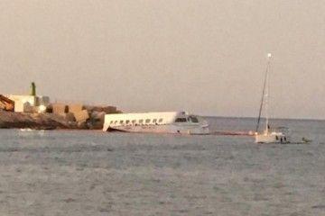 """Estado en el que se encuentra el desguace del catamarán """"Pinar del Río"""""""