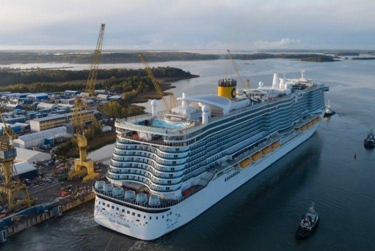 """El buque """"Costa Smeralda"""", atracado en el astillero Meyer Turku"""