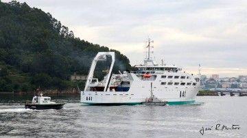 """El buque """"Intermares"""" está tripulado por la Armada española"""