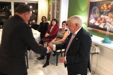 Enrique García Melón entrega la Medalla de Oro de la ACCN al académico Luis M. García Rebollo