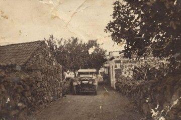 La carretera de Puerto Naos, a su paso por Cuatro Caminos, en La Laguna