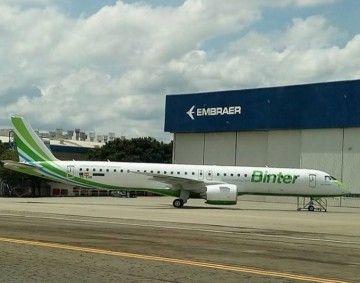 Imagen del primer Embraer E-2 de Binter
