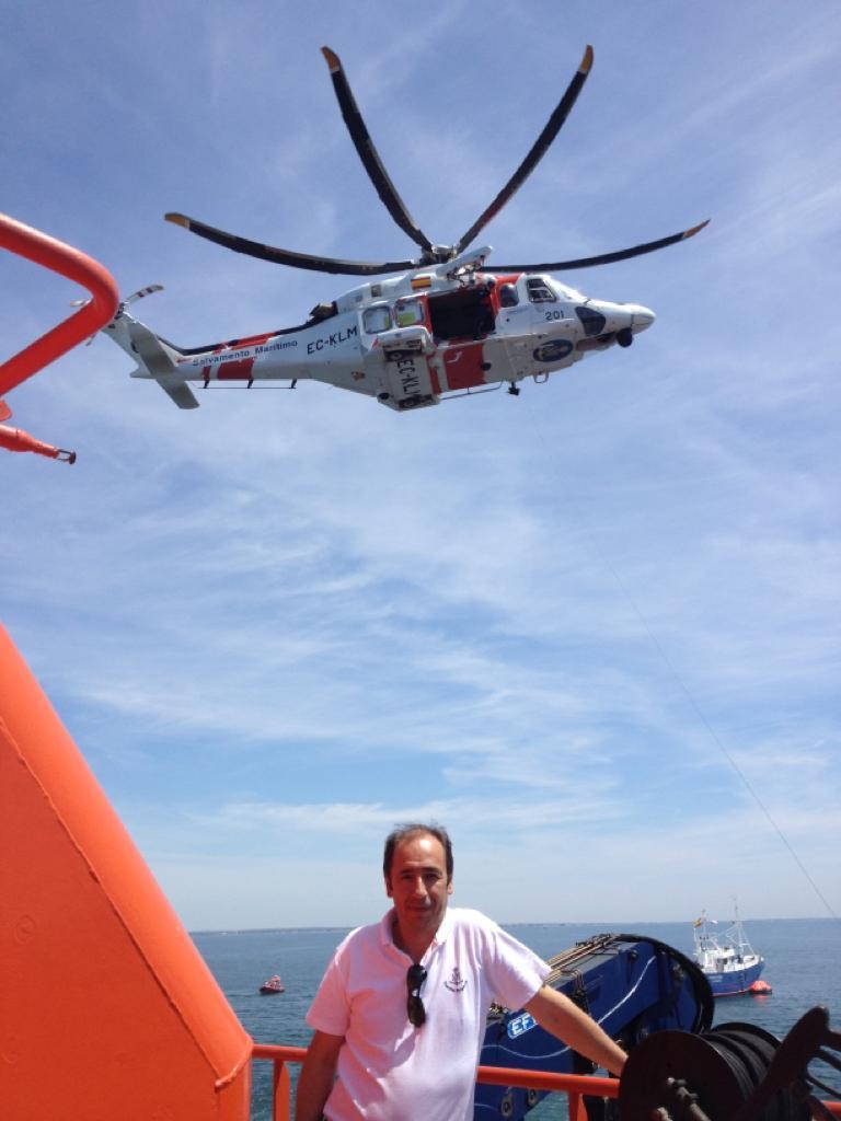 Alfredo Serrano, en una operación de rescate con helicóptero Helimer