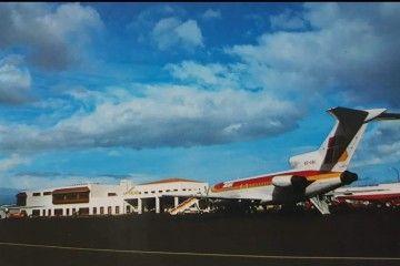"""Avión Boeing B-727 de Iberia EC-CAI """"Castilla La Mancha"""", en el aeropuerto de La Palma"""