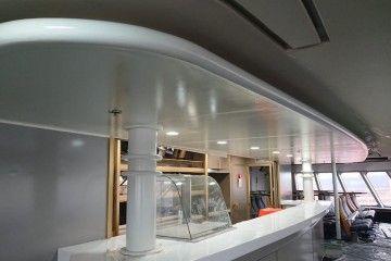 """Bar de proa del catamarán """"Villa de Agaete"""""""