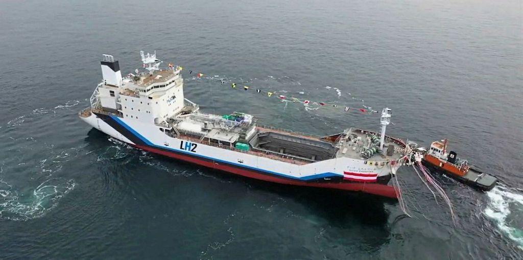 """El buque """"Suizo Frontier"""", tras su puesta a flote"""