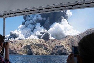 La erupción cogió por sorpresa a medio centenar de turistas
