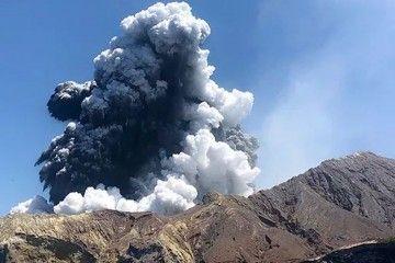 Casi 50 personas estaban en la isla cuando el volcán Whakaari entró en erupción