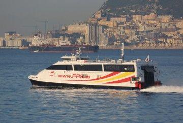 "El catamarán ""Ceuta Jet"", en la línea Algeciras-Ceuta"