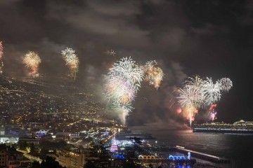 El espectáculo de fuegos artificiales de Funchal tiene renombre internacional