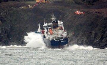 """La próxima semana será decisiva para el rescate del buque """"Blue Star"""""""