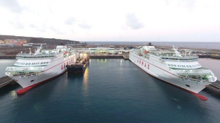 La nueva terminal de Naviera Armas permite el atraque simultáneo de cinco buques