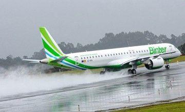 El segundo E2 de Binter, en su primer aterrizaje en el aeropuerto de Vigo