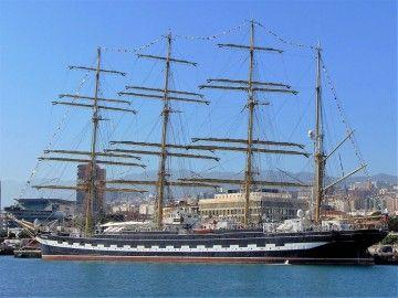 """El buque-escuela ruso """"Kruzensthern"""", atracado en Santa Cruz de Tenerife"""