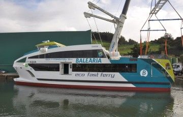 Balearia contrató cuatro catamaranes de fibra de vidrio en Astilleros Gondán