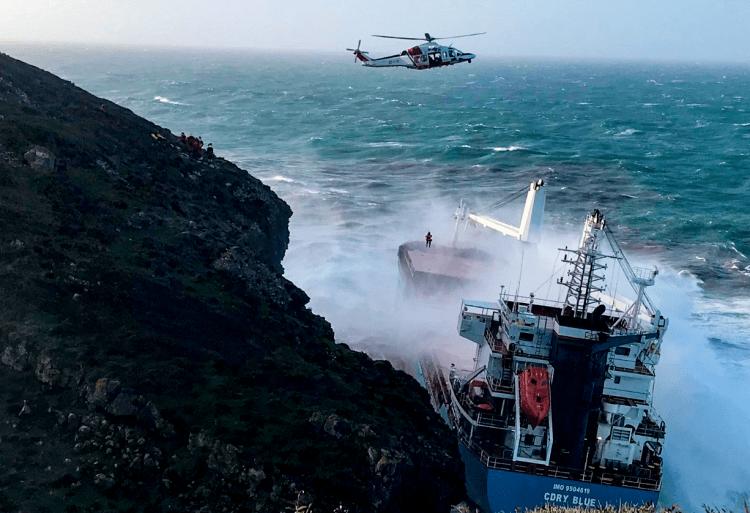 """Situación en la que se encuentra el buque """"CDRY Blue"""""""
