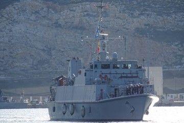 """El buque cazaminas """"Sella"""", a su llegada a Cartagena"""