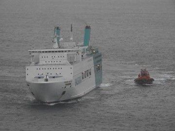 "El ferry ""Regina Báltica"", en aguas de Ibiza"