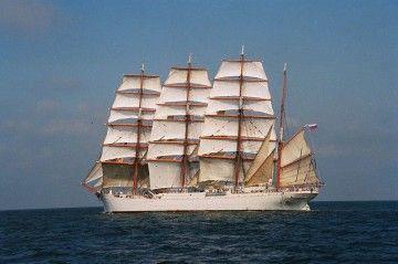 """Estampa marinera del buque-escuela ruso """"Sedov"""", con el aparejo largo"""