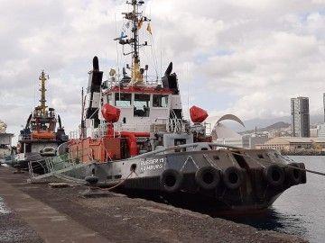 """El remolcador """"Bugsier 19"""", atracado en el puerto de Santa Cruz de Tenerife"""